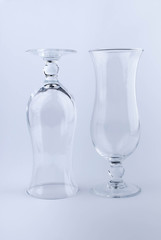 Два бокала для коктейлей