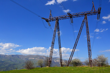 High voltage line and electricity pylon