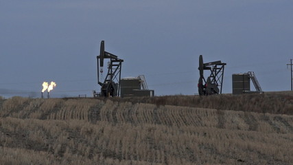 North Dakota Oil Pump Jack Fracking Crude Extraction Machine