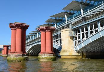 Ancient Pont Blackfiars à Londres