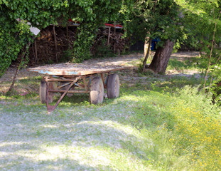 ancient farm cart in the countryside