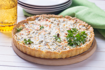 Tart with cottage cheese and hearbs