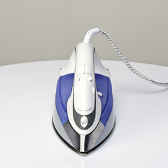 Steam iron from front