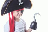 niño pirata - 83132421