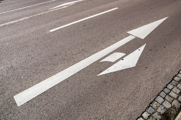 Road Marking / Road Marking with turn arrow