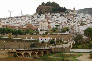Ardales, pueblo, Málaga, Andalucía, panorámica