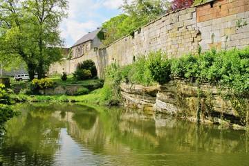 Burg Bentheim, Burgmauer und Graben