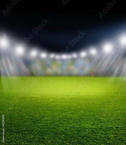 Fußballstadion mit Scheinwerferlicht