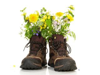 Wanderschuhe mit Blumen