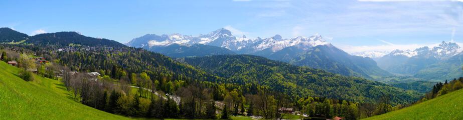 Panoramique sur le Muveran