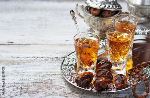 Poster, Tablou Traditional arabic tea and dry dates