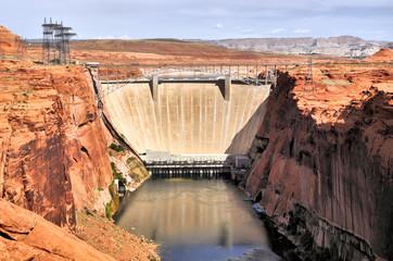 Lake Powell Dam / Lake Powell Dam in Page Arizona