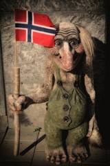 Troll with the Norwegian flag
