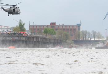 Seerettung mit einem Hubschrauber