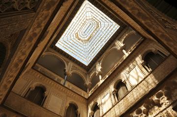 Palacio del Alcázar de Sevilla, patio de las Muñecas, España