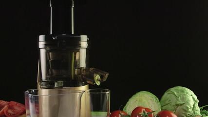 Dolly: Cold press juicer for making fresh vegetable juice