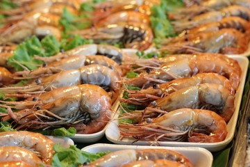 Grilled shrimp at the market