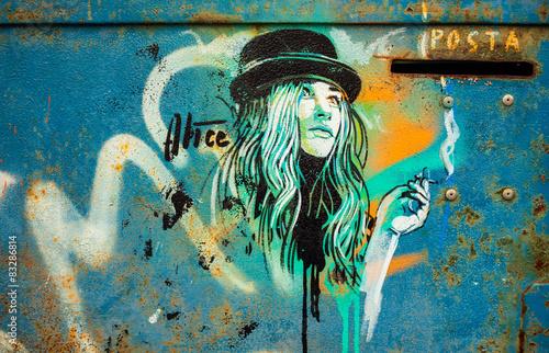 Girl, Graffiti - 83286814