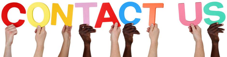 Multikulturell People Gruppe halten das Wort Contact Us