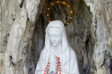 sculpture of saint maria