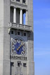Barometer am Turm des Deutschen Museums in München