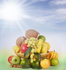 Cesto di frutta fresca
