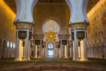 The Shaikh Zayed Mosque inter