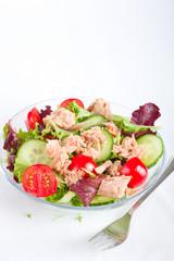 Salat, Thunfisch mit Gurken