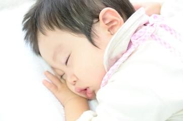 ぐっすり寝る赤ちゃん