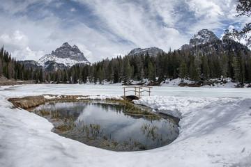 Tre Cime di Lavaredo specchiate nel Lago alpino di Antorno