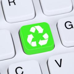 Internet Konzept Recycling Button für Umweltschutz auf Computer