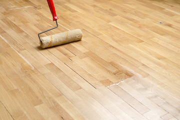 Varnishing Parquet with Copy Space