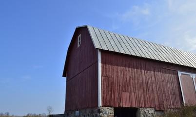 Basic style storage barn and shelter