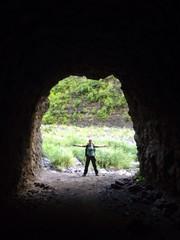 femme grotte