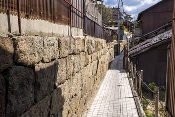 尾道の石垣と路地