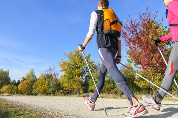 Workout beim Nordic Walking