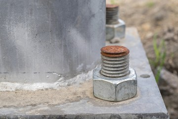 construction designs with a threaded connection