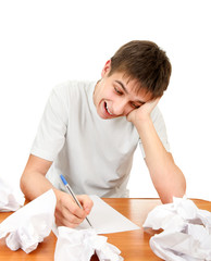 Teenager compose a Letter