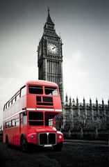 Roter Londoner  Bus vor Big Ben