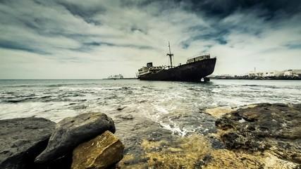 Timelapse of sunken ship