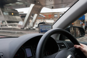 Using car global positioning system to navigate city