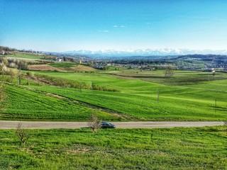 Paesaggio di Campi verdi collina