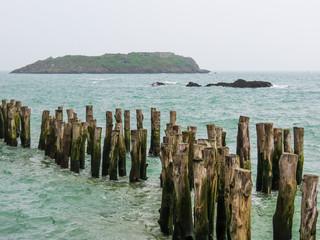 Breakwaters in high flow ashore Saint-Malo, Farnce