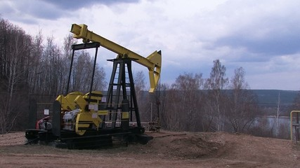 работа нефтяного насоса