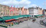 Immeubles colorés de la Grand-Place de Bruges (Belgique)