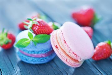 strawberry macaroons