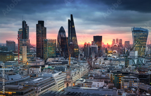 LONDON, UK - JANUARY 27, 2015: London's panorama in sun set. Poster