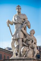 Statua Ferdinando I de' Medici, monumento, Pisa