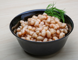 White canned beans