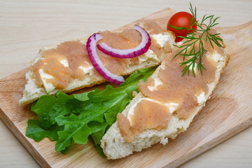 Sandwich with cod roe